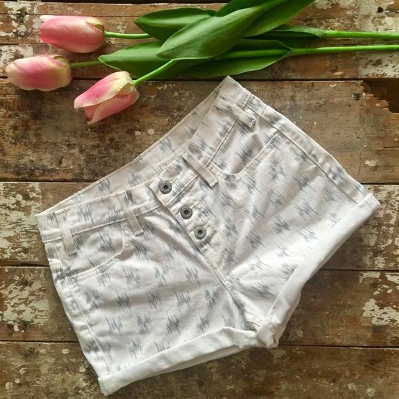 Levi's Pants - Levi's Printed Shorts